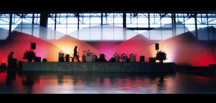 Client: The George P Johnson Company Design: Transformit Ready-Made Ice Floe Stage