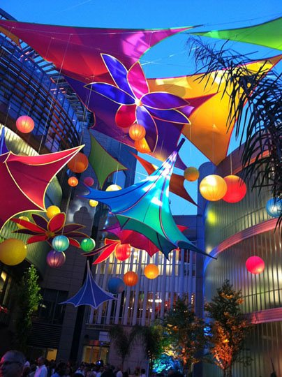 Precon Events designed and produced an installation of aerial fabric sculptures and colorful branded theme decor for a Maryland-based pharmaceutical company. This installation won an IFAI award for Fabric Art.