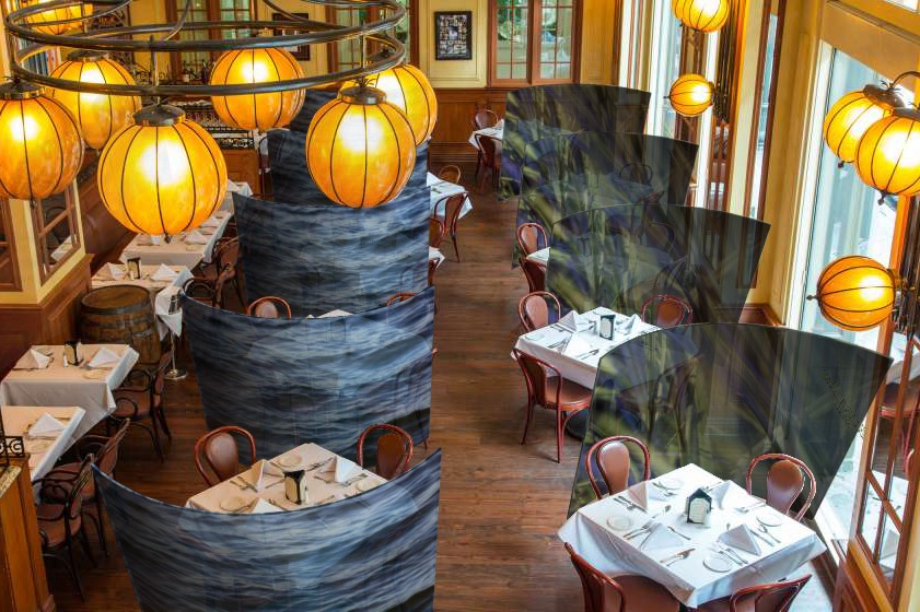 Social dividers_ restaurant-1